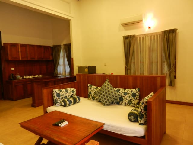 Family Suite for 6 with Breakfast + Complementary