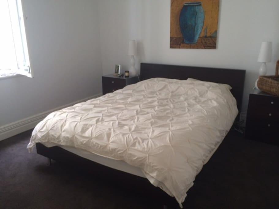 Double bedroom with Queen bed