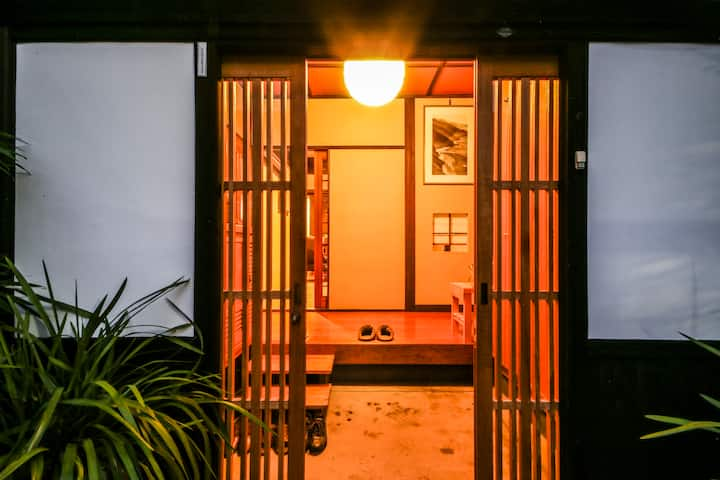 3 single beds in Japanese historical house 2F