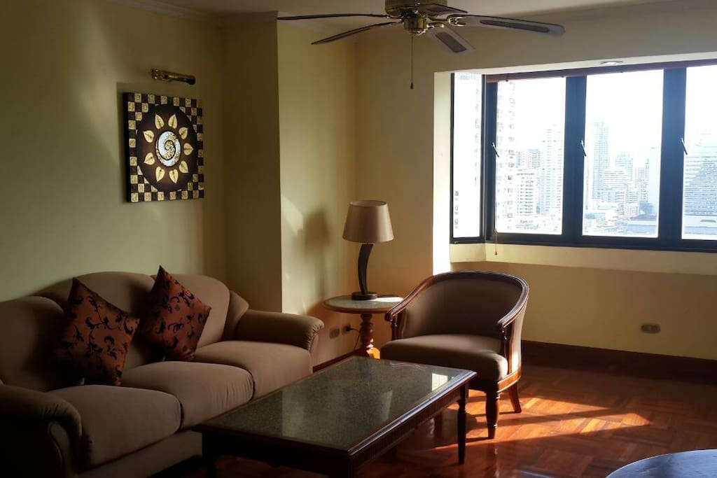 Spacious Lounge with super open open city view