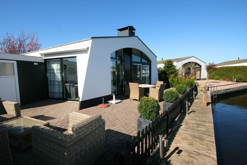 Haus am wasser Holiday Home by waterside