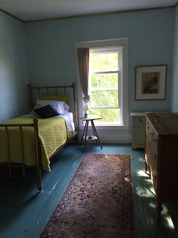 Downeast Classic-The Lone Traveler - Machias - House