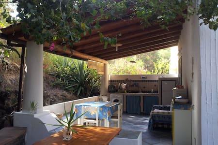 Casa con jardín, Vulcano, Eolias  - Vulcano Bleu - Haus