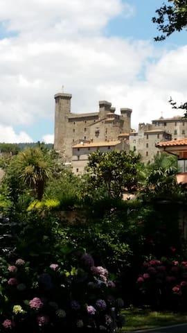 Casa indip. in borgo medioevale - Celleno
