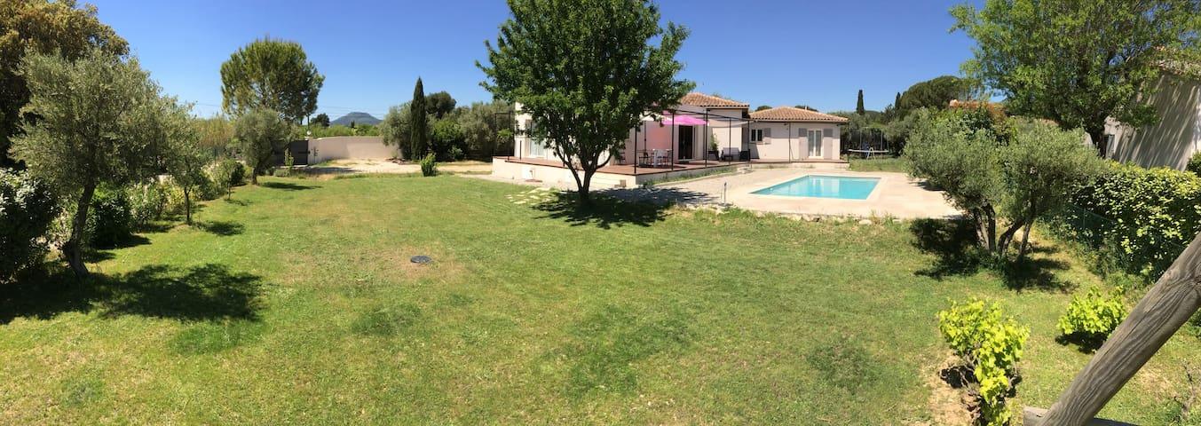 Villa depuis le jardin