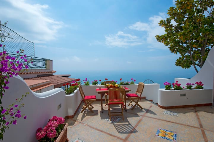 NEW APARTMENT WITH TERRACE SEAVIEW: RAGGIO DI SOLE