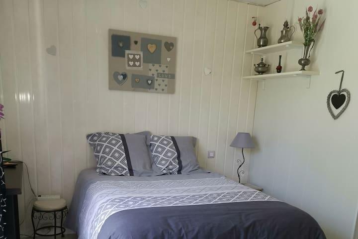 Chambre privée avec terrasse