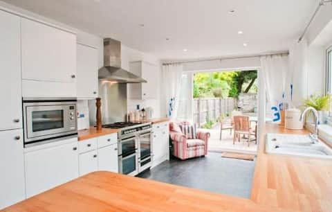Fantastic Salcombe Holiday Home - Great Location