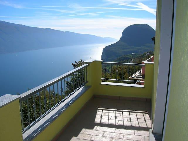 appartamento bilocale vista lago - Pieve - Lägenhet