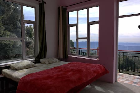 SUNSET POINT HOME STAY