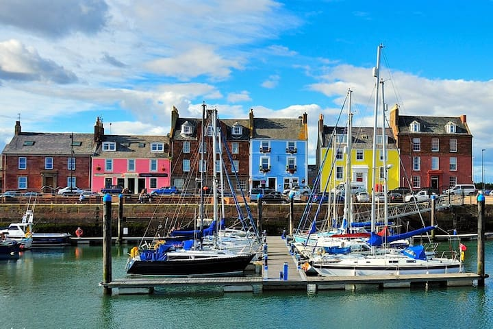 Harbour Haven 3, Historic Landmark Apartment - Arbroath - Flat