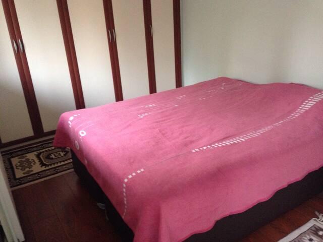 Private Room in Izmir - Karşıyaka - Appartement