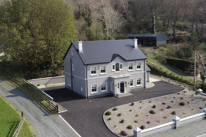Lake View Luxury near Glenveagh, Co Donegal