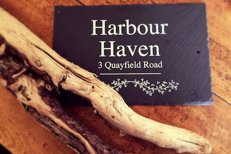 Harbour Haven - 18th Century Holiday Cottage