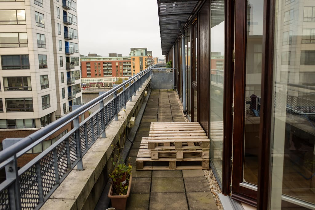 Balcony with a view! Grand Canal, Boland's Mill, Aviva Stadium, even the sea and cost line can be seen.