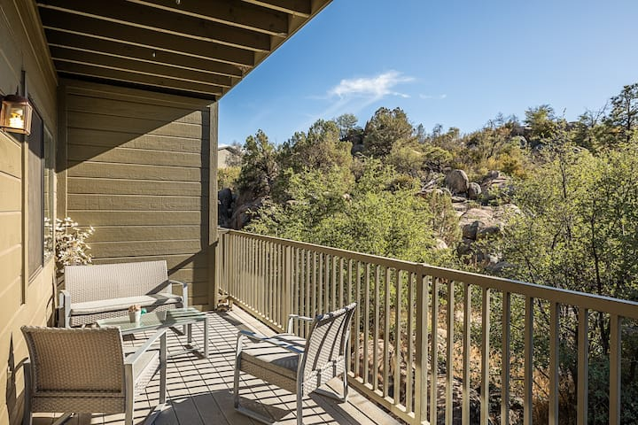 Amazing comfort and views in downtown Prescott!