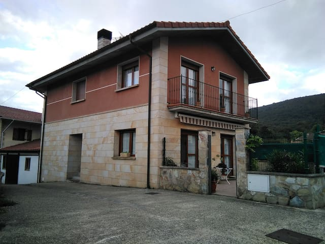 Casa APERREGUI en Álava, País Vasco.