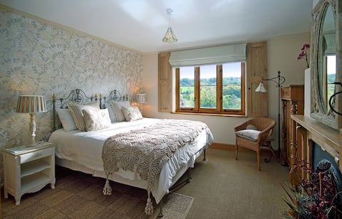 Holmdale.....heart of Exmoor National Park, Room 1