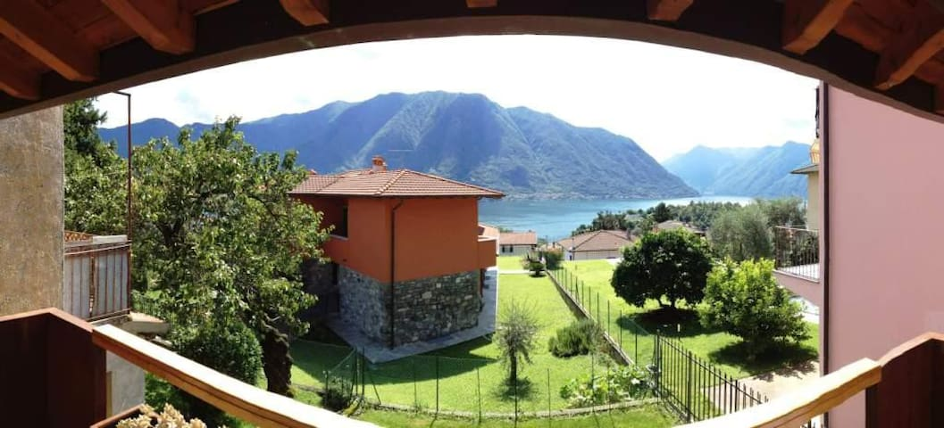Holiday Home - Parking-Garden-Views - Ossuccio - Casa