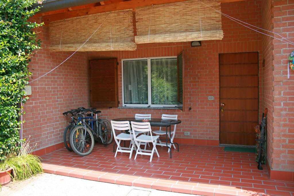 Casa con giardino tra milano e como maisons louer for Trova casa brianza