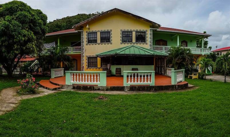 Room for Two Near Airport St.Lucia - Vieux Fort