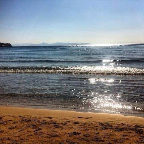 Walk to the beach - Saronida