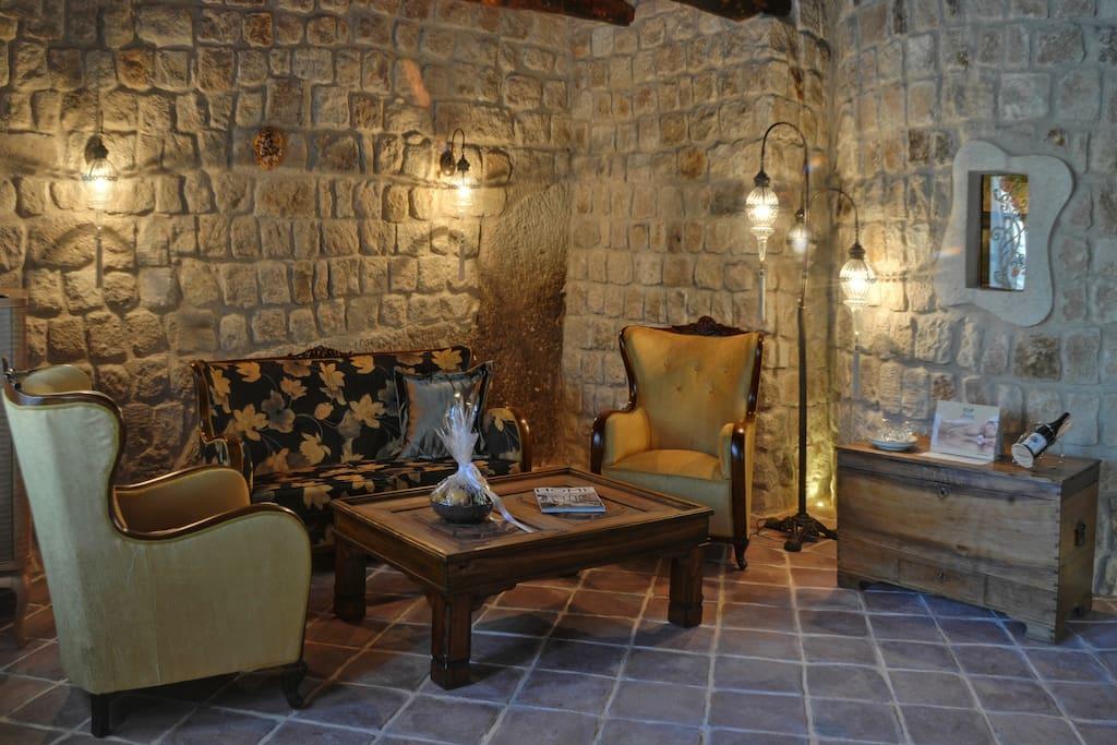 Gaudi Splendid Suite