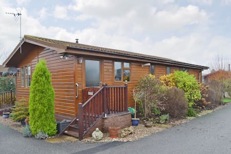 Eden Lodge (W44178)