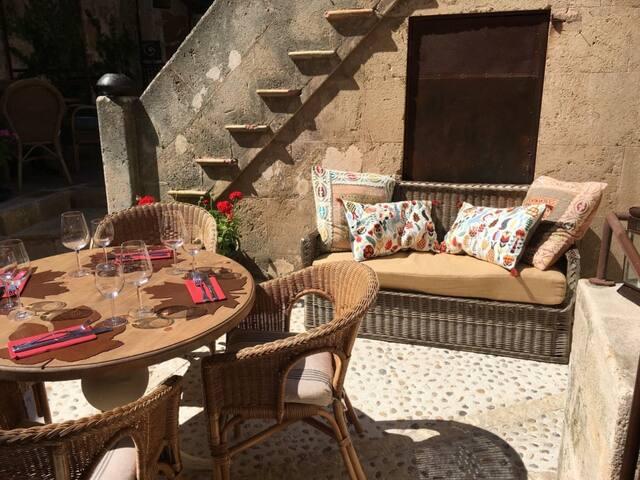 Accomodation in a Mallorca village house