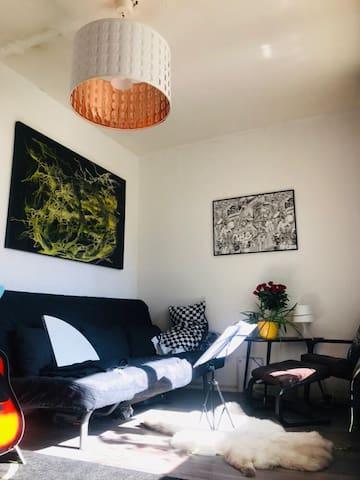 Cosy Artistic Flat in the Heart of Kreuzberg