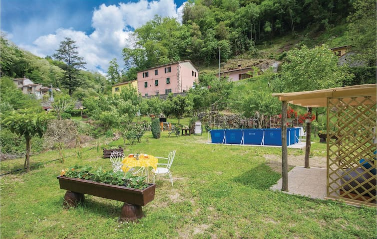 Holiday apartment with 2 bedrooms on 70m² in Bagni di Lucca -LU-