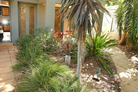 Spacious studio near Austi beach - Austinmer