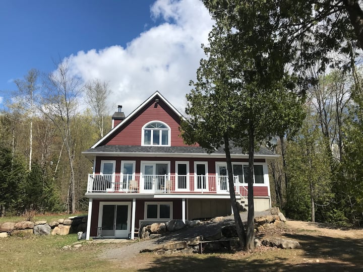 Red Cottage on Lac Clair - CITQ #222072