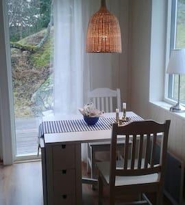 Nybyggt och rofyllt - Bed&Breakfast - Orust V - Bed & Breakfast