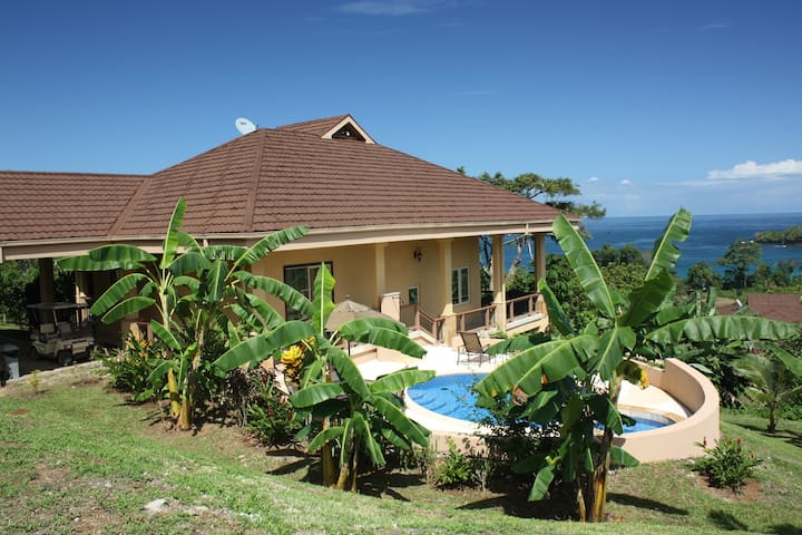 Luxury 3 BR Villa w/Private Pool Red Frog Beach
