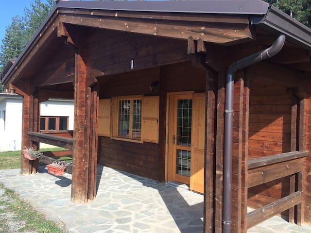 2 chalet uguali in campeggio - Battifollo - Kisház