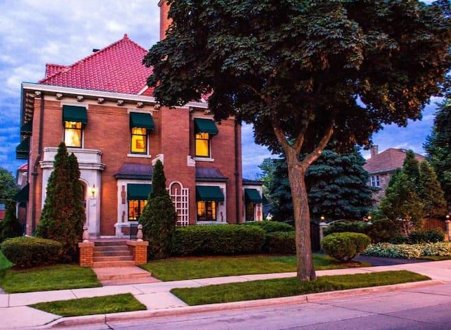 Linda's Layton House