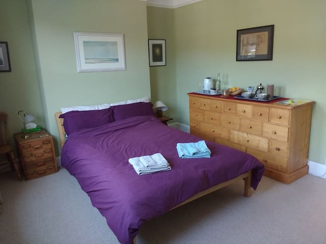Large double room; great location