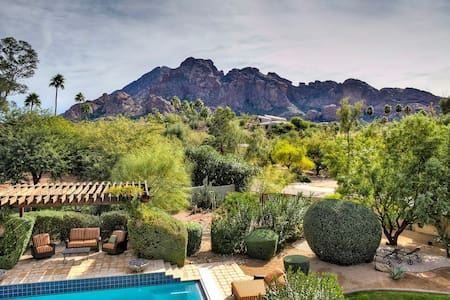 Scottsdale Mt View Lux Home Slps 4 Hot Tub + Pool! - Paradise Valley - Dům