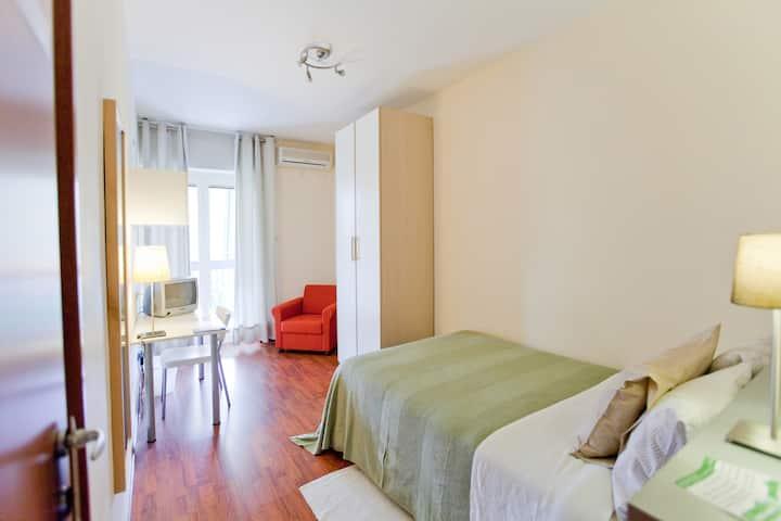 Single Room | Rooms Rent Vesuvio