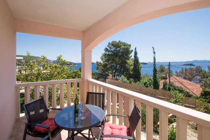 Stunning sea view apart. w pool, gym, bbq... (B1) - Prižba
