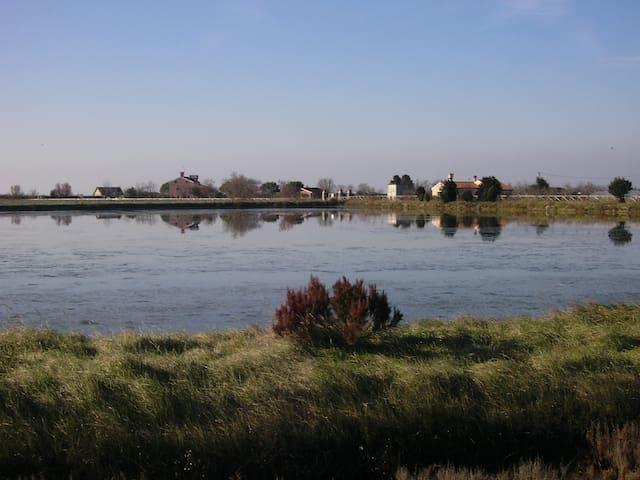 beach & lagoon near Venice - Cavallino-Treporti - Huis