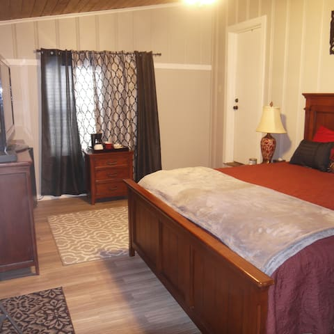 Mama K's Hideaway Bed n Bath - Shreveport - House