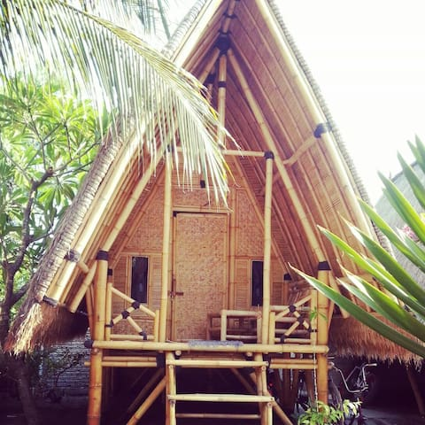 Bale Kampung-Bamboo 2 - Gili Air - Bed & Breakfast