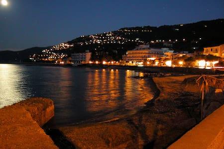 Luna Brillante appart. fronte mare - Capo D'orlando - 公寓