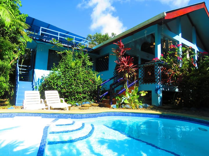 2 Houses with Pool, Casa Azul and Aloha, AC, WiFi