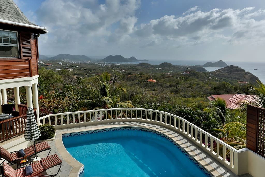 Residence du Cap pool and view of Rodney Bay