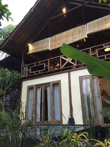 Cool Mountain Home- Madu Puri Villa - Tampaksiring