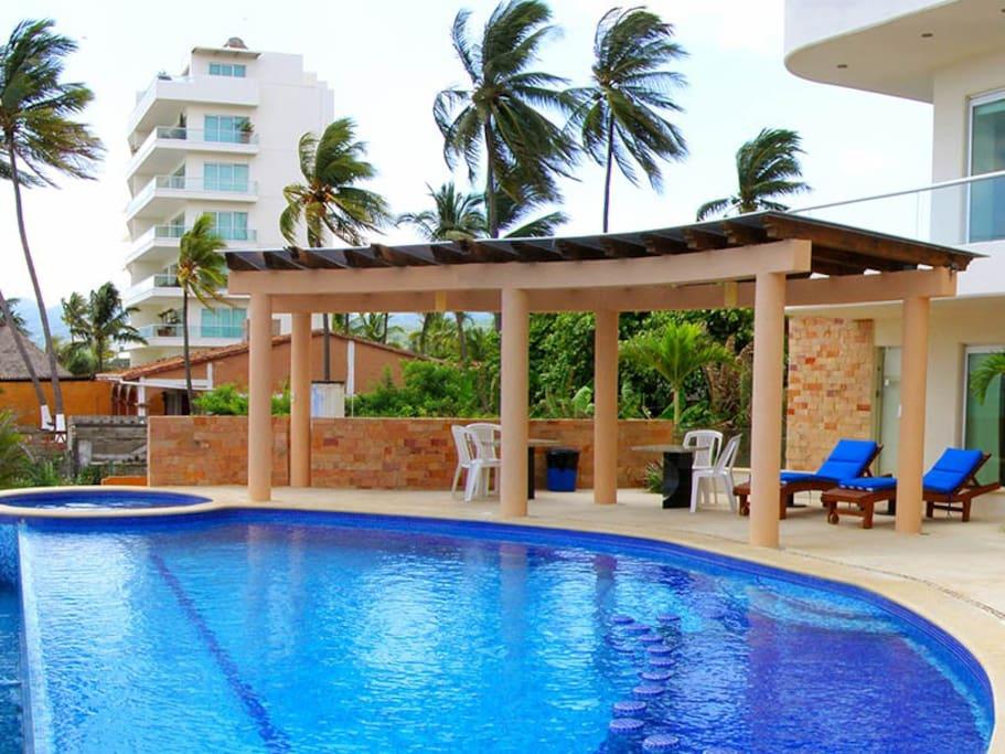 Piscina/ Swimming Pool