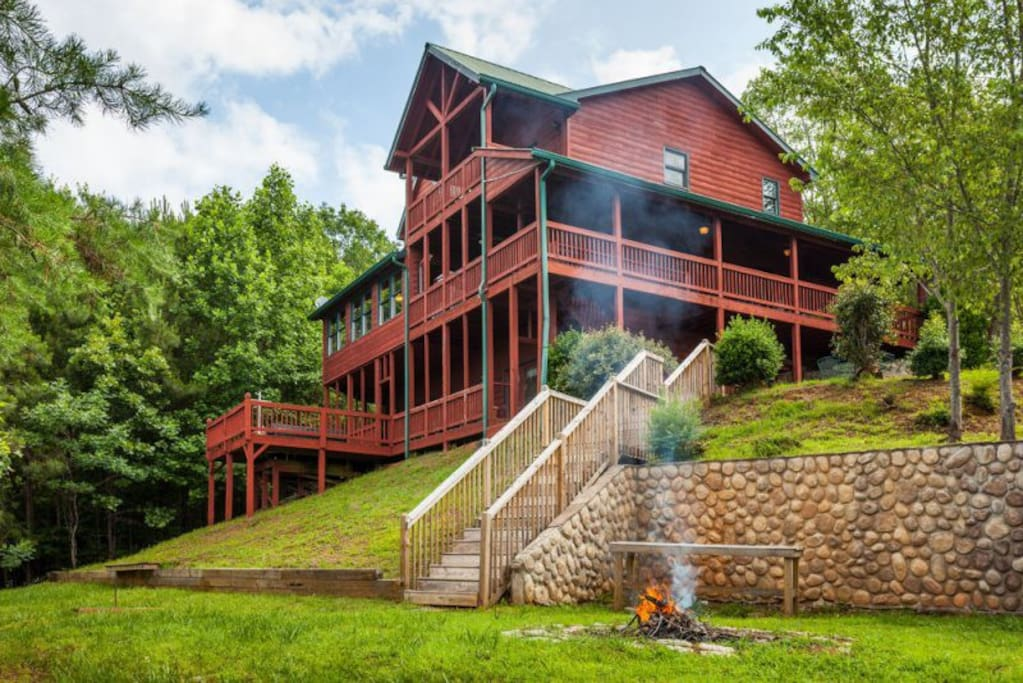 Carters lake lodge cabins for rent in ellijay georgia for Ellijay cabins for rent by owner
